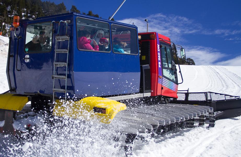 Snow groomer machine Vall de Nuria